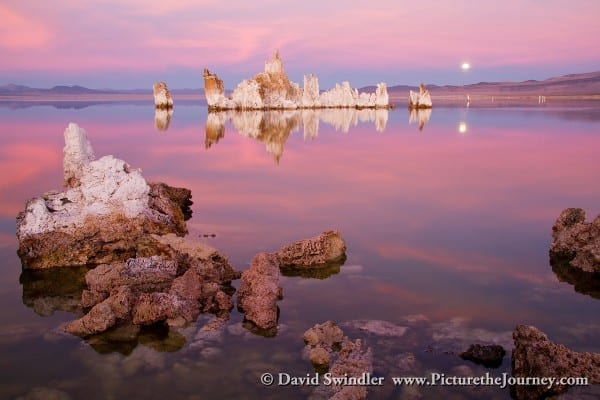 Alpenglow at Mono Lake