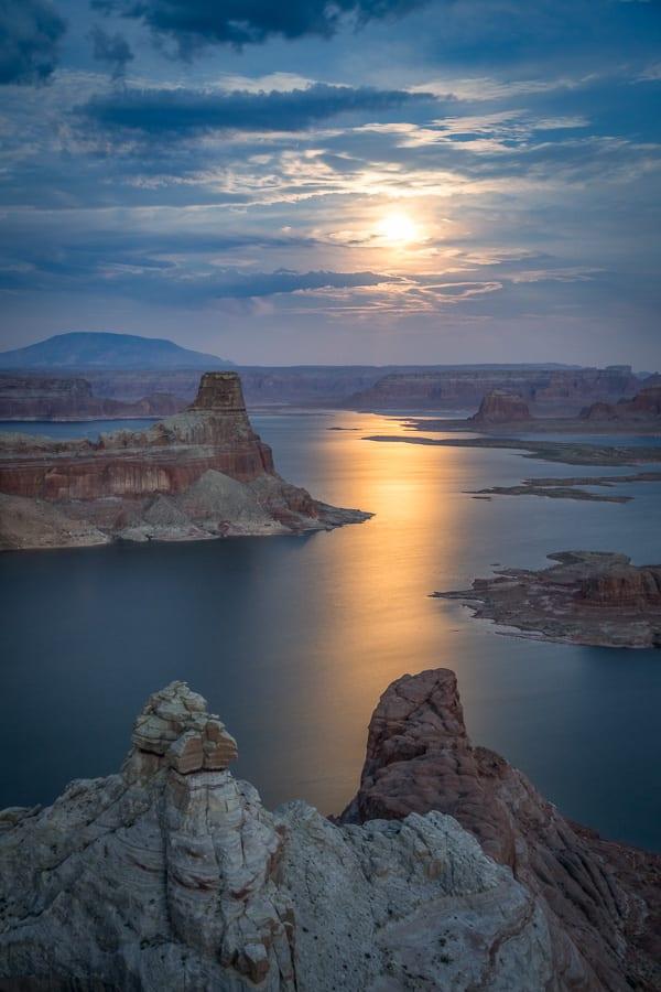 Southwest Shootout Moonrise Over Lake Powell Photo Workshop Alstrom Point