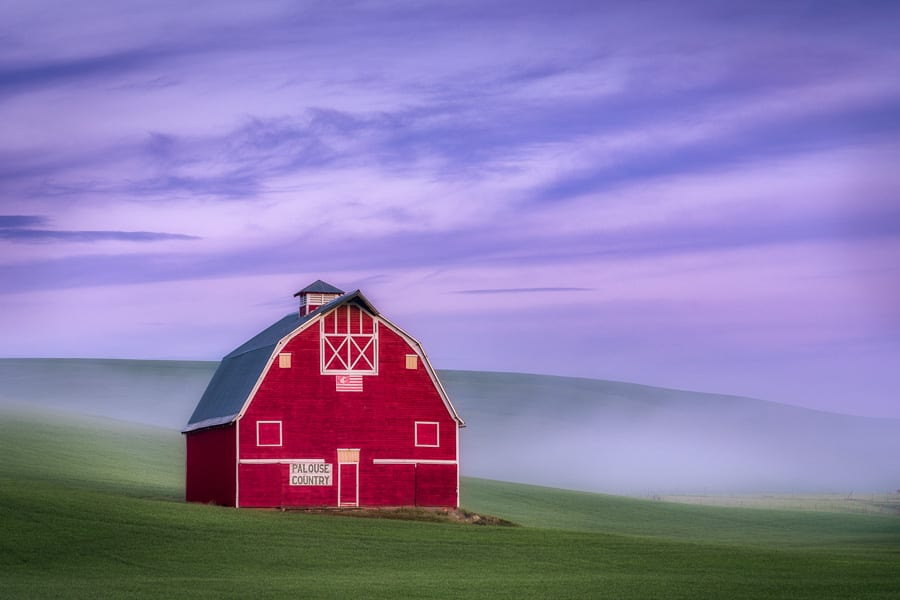 Palouse Photo Workshop Spring Barn Fog